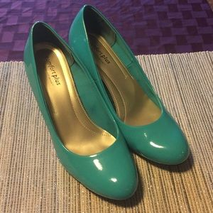 Shoes - Teal Patent Round Toe 12 (US) Heels